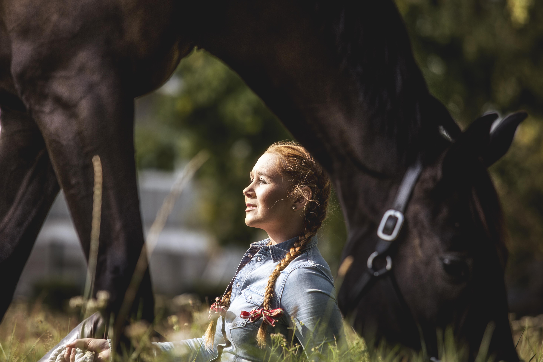 njuta med häst fotograf