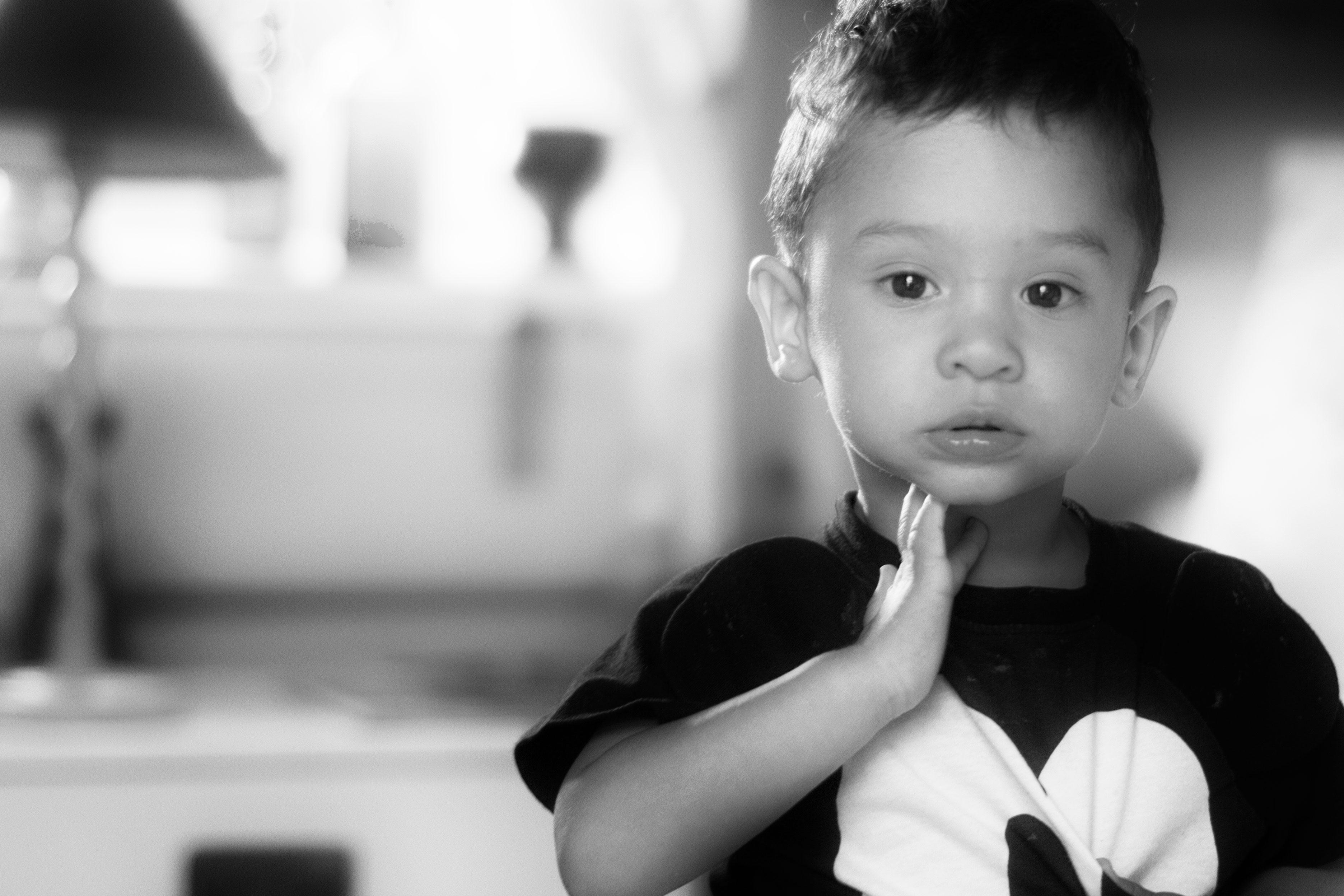 fotograferar barn